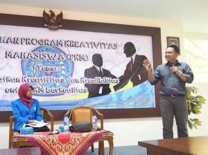 "Paparan ""Creative thinking"" oleh Rifki Aulia Erlangga, M.Hum."