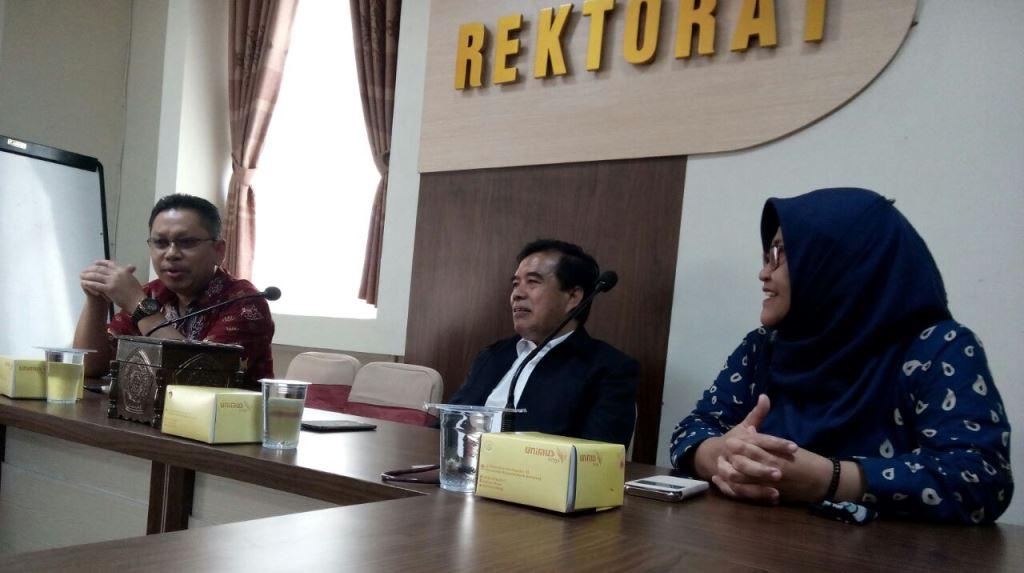 Penerimaan assessor oleh Rektor dan jajaran pimpinan di Rektorat