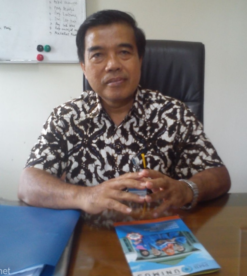 Prof. Dr. Masrukhi, M.Pd. (Rektor Unimus)
