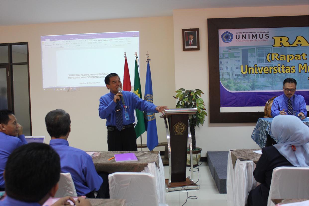 Rektor menyampaikan arah kebijakan Unimus tahun 2017-2018