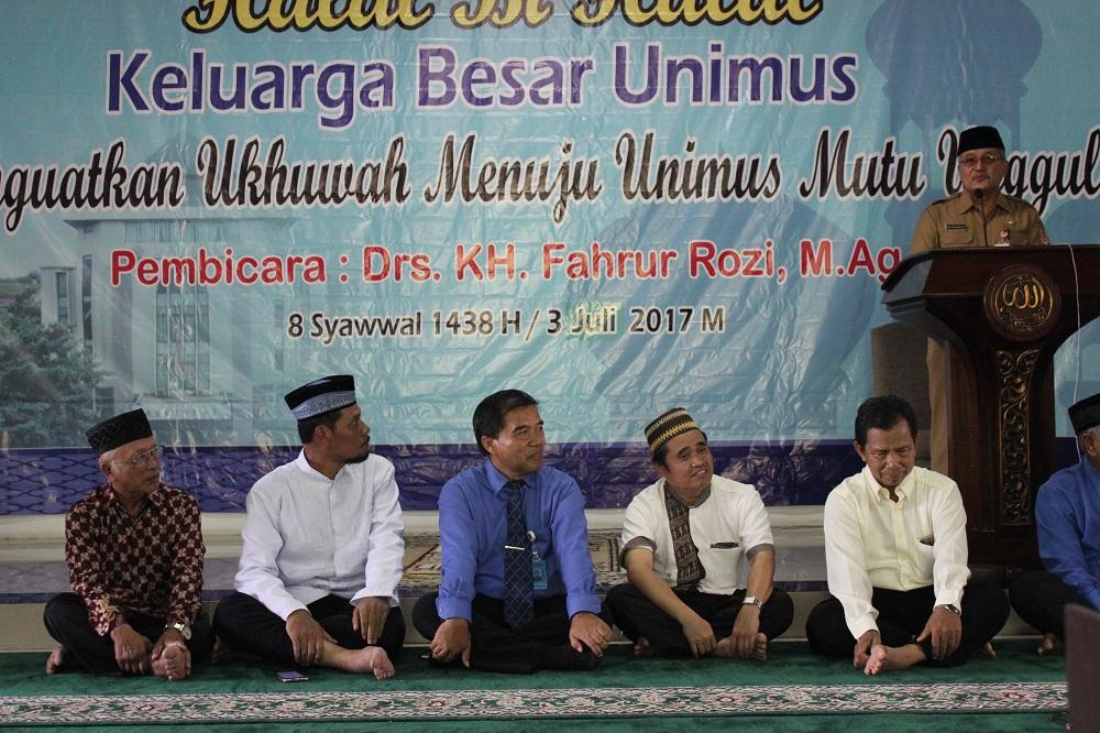 Sekda Propinsi Jawa Tengah (Dr. Ir. Sri Puryono) memberikan sambutan